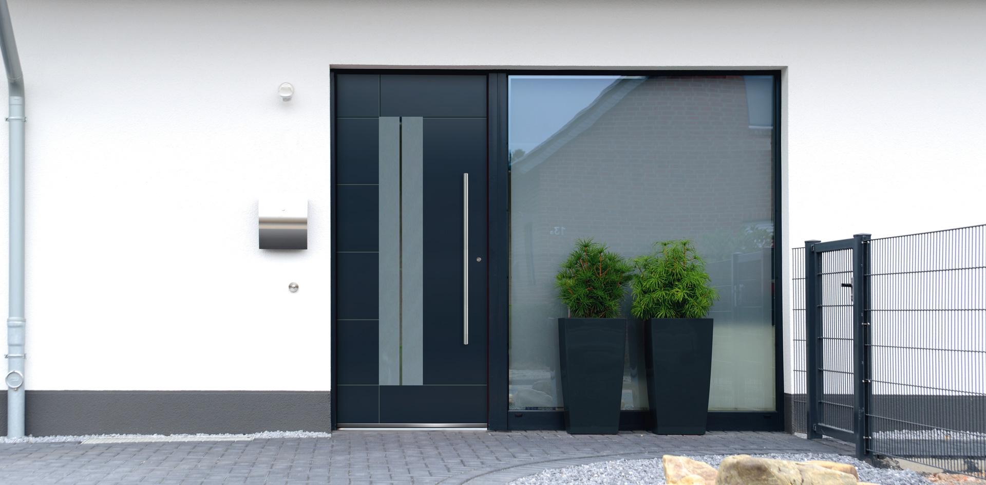 Haustüren mit breitem seitenteil  EXTENDED | HAUSTÜREN MIT AUFSATZFÜLLUNG UND EXKLUSIVER AUSSTATTUNG